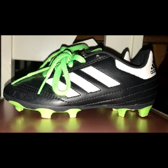 5893e7a6d9e adidas Other - Kids  Adidas Nearly New Soccer Cleats